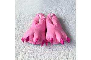 Ярко-розовые тапочки